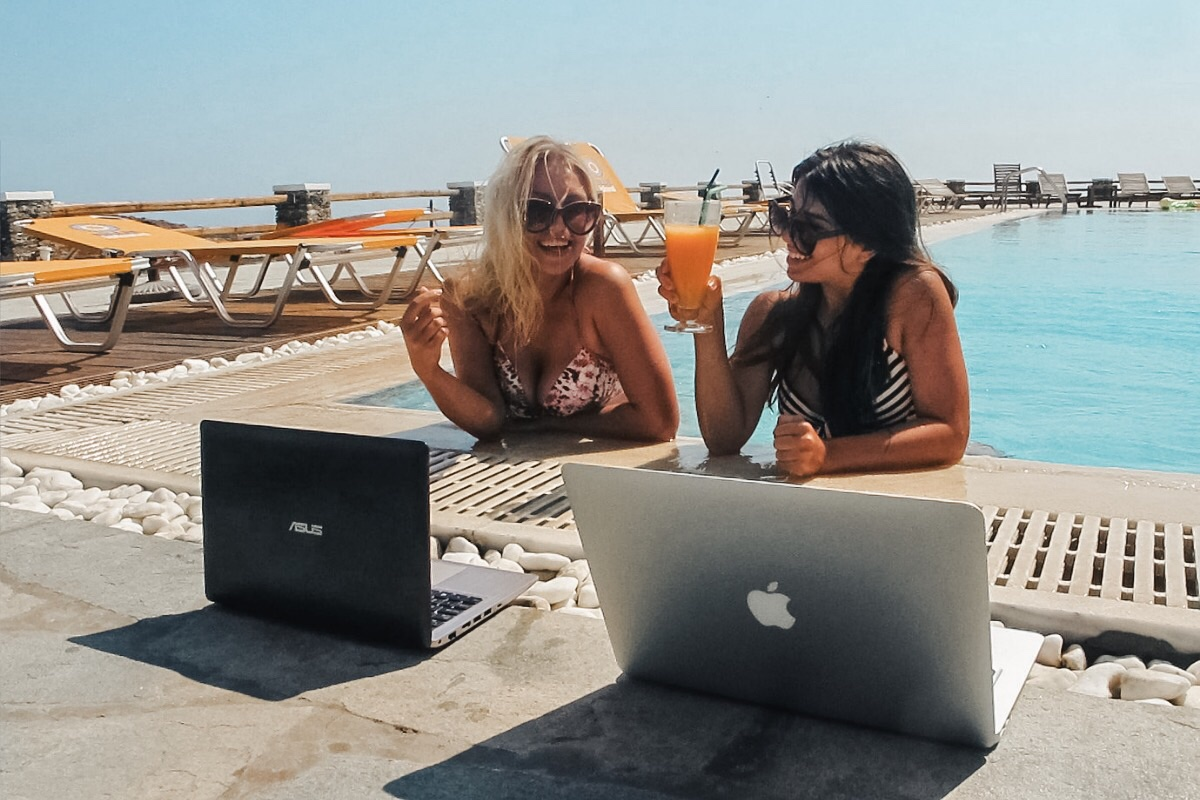 How to Become a Digital Nomad and Travel the World Forever